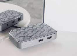 محول USB C مع شاحن لاسلكي - MOSHI