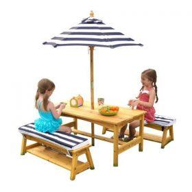 طاولة مع مقاعد ومظلة KidKraft - Outdoor Table & Bench Set with Cushions & Umbrella - كحلي / أبيض