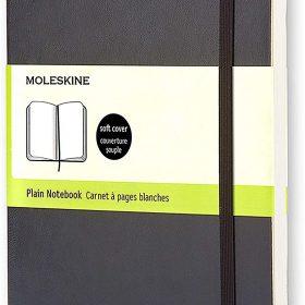 دفتر ملاحظات غير مسطر Moleskine - Classic Plain Paper Notebook - A5 - 192 صفحة / أسود